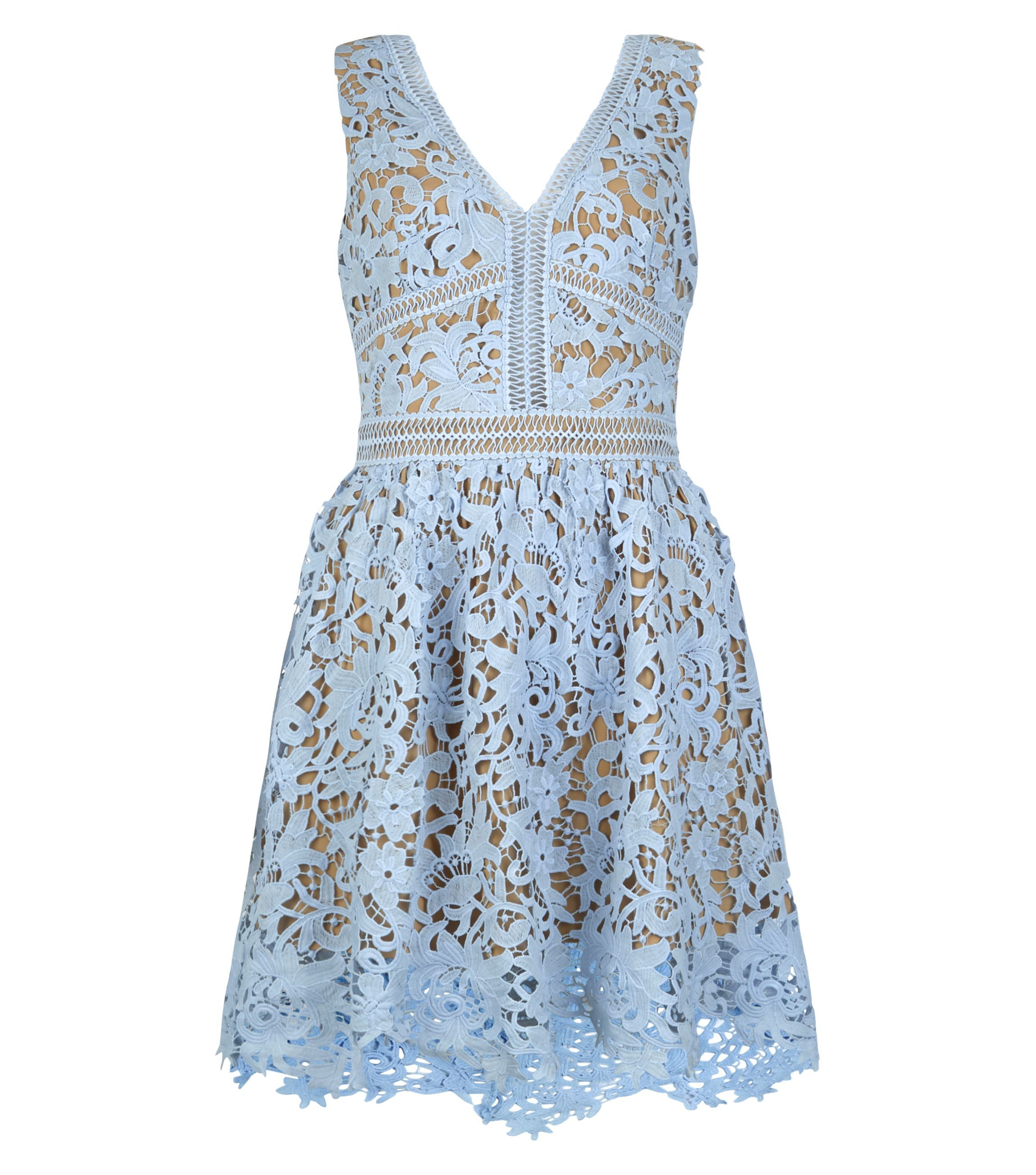 23 gorgeous wedding guest dresses for spring summer 2016 for Cute dress for wedding guest