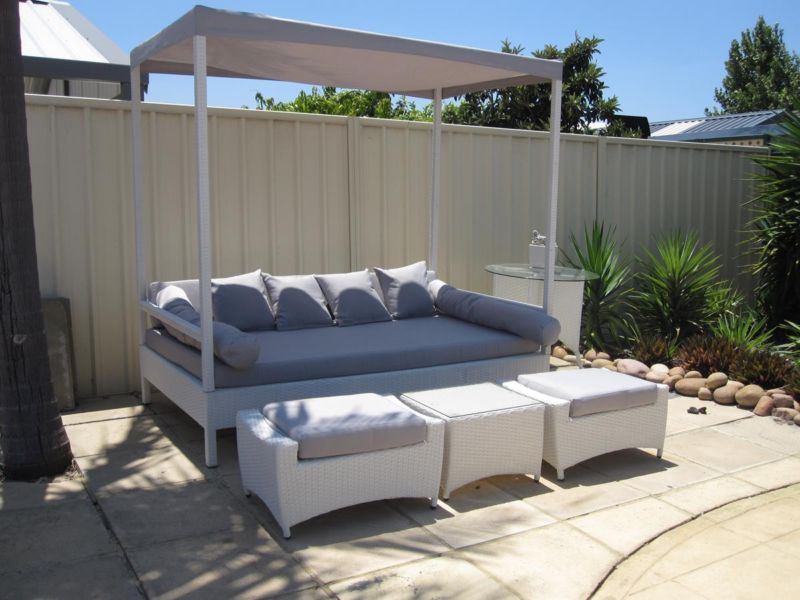 Outdoor Day Bed | Outdoor Dining Furniture | Gumtree Australia ...