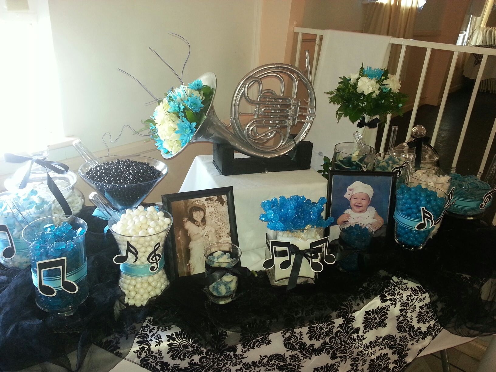 Maris Turquoise And Black Music Candy Table