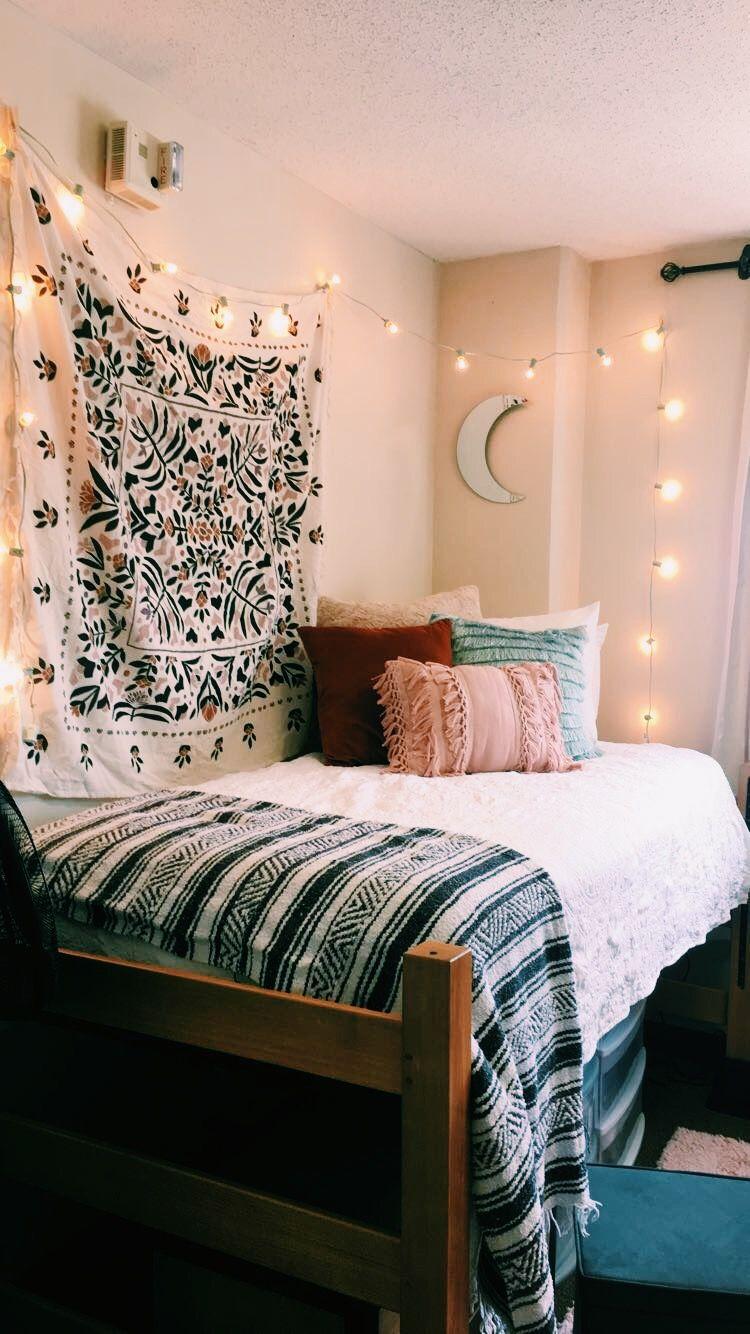 Dream Dorm Room: Pin By Madeline Hernandez On Dorm Room Ideas