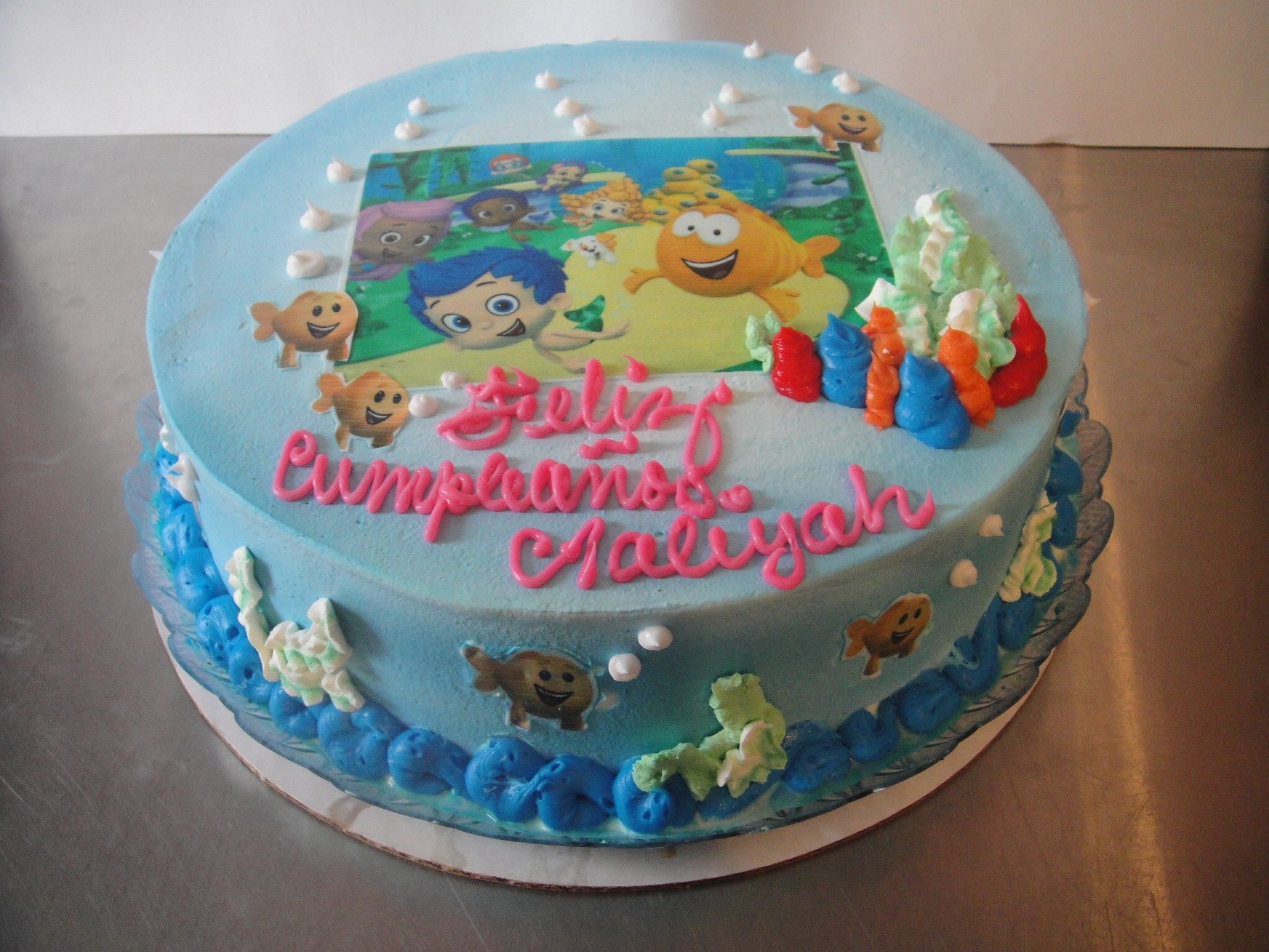 Nanisetc Bubble Guppies Cake