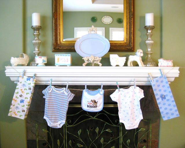 Clothes line baby shower love this idea reusable baby for Baby clothesline decoration