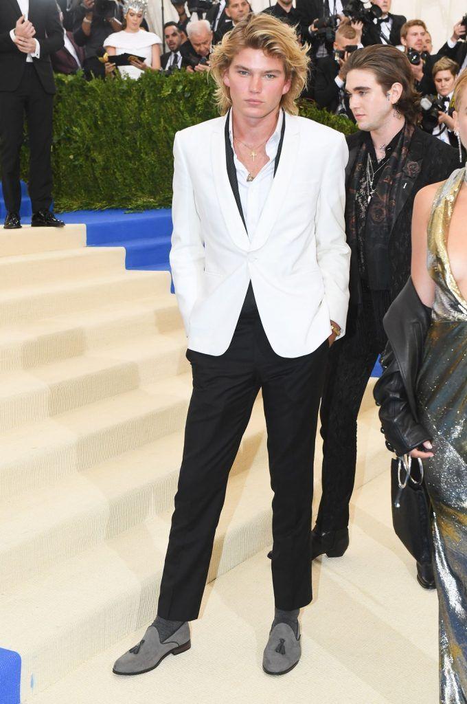 Cromático ciervo curva  Black Tie Grooming: Four Do's And Three Don'ts From The 2017 Met Gala | Met  gala, Fashion, Gala