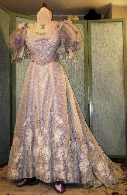 Theatrical Costume Rentals, historical costume rentals,period costume rentals