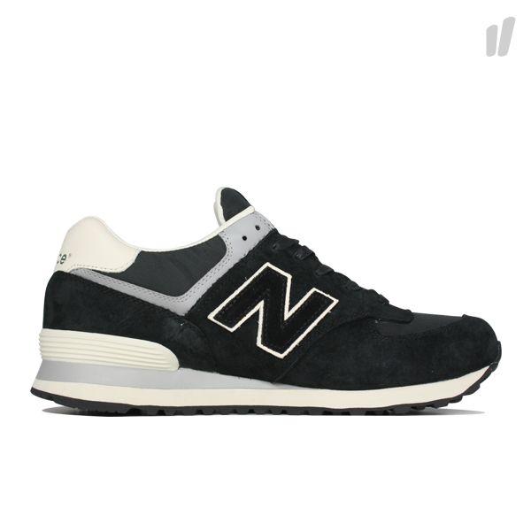 black and white new balance 574