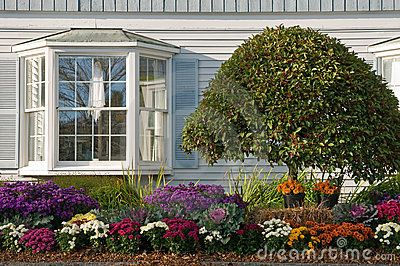 Bay Window Garden Ideas railroad tie ideas landscape traditional with bay window traditional garden statues and yard art Find This Pin And More On Garden Hedge Ideas Bay Windows