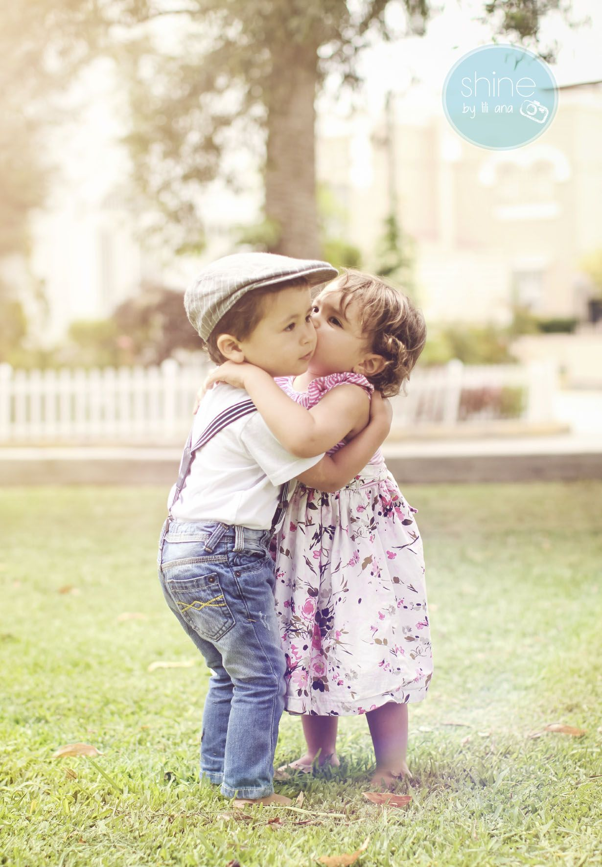 Little Boy And Girl Sweetest Kiss Little Boy And Girl Baby Love