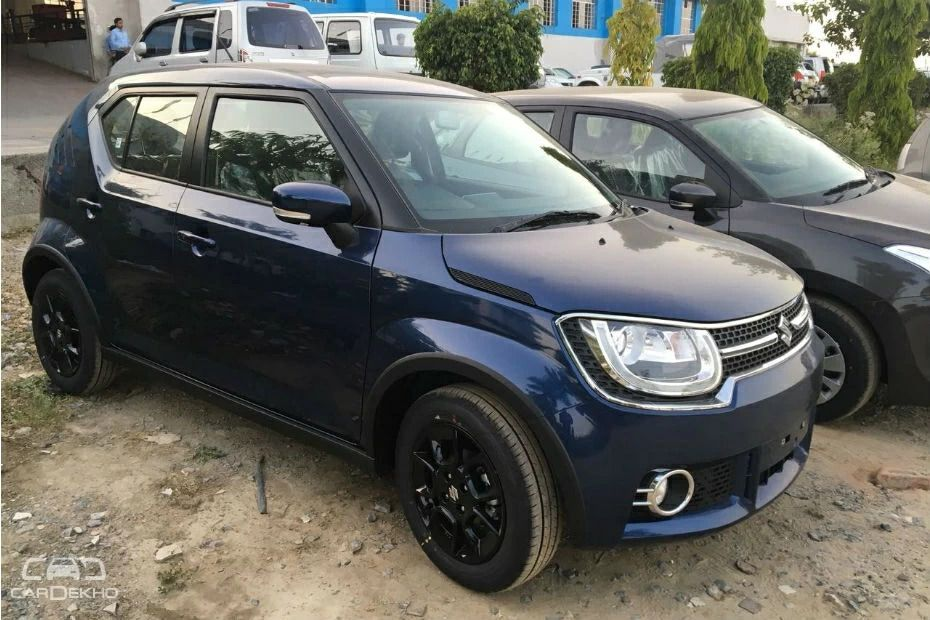 Maruti Ignis In The Nexa Blue Colour Spotted Blue Color