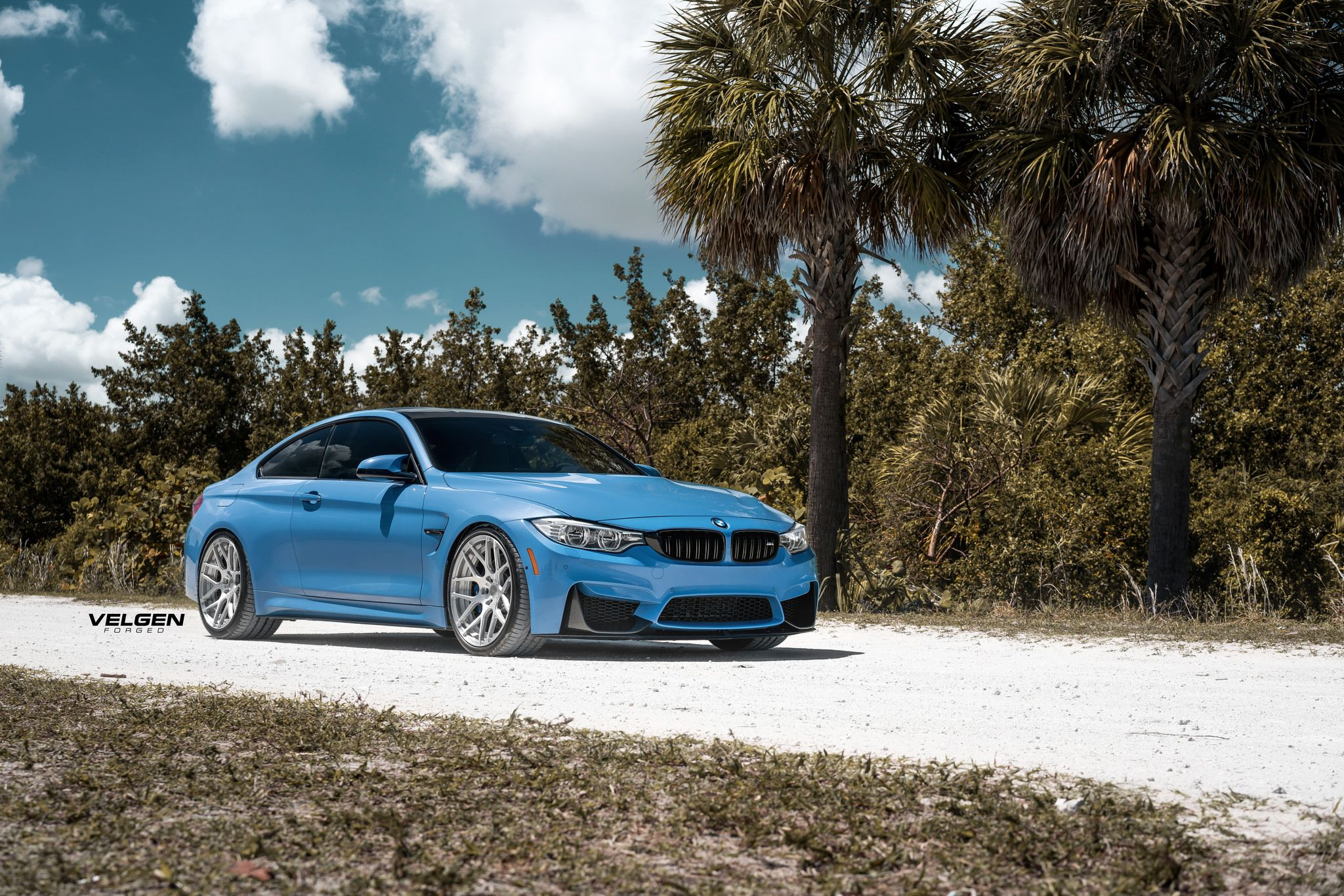 BMW F82 M4 Coupe Individual xDrive MPerformance
