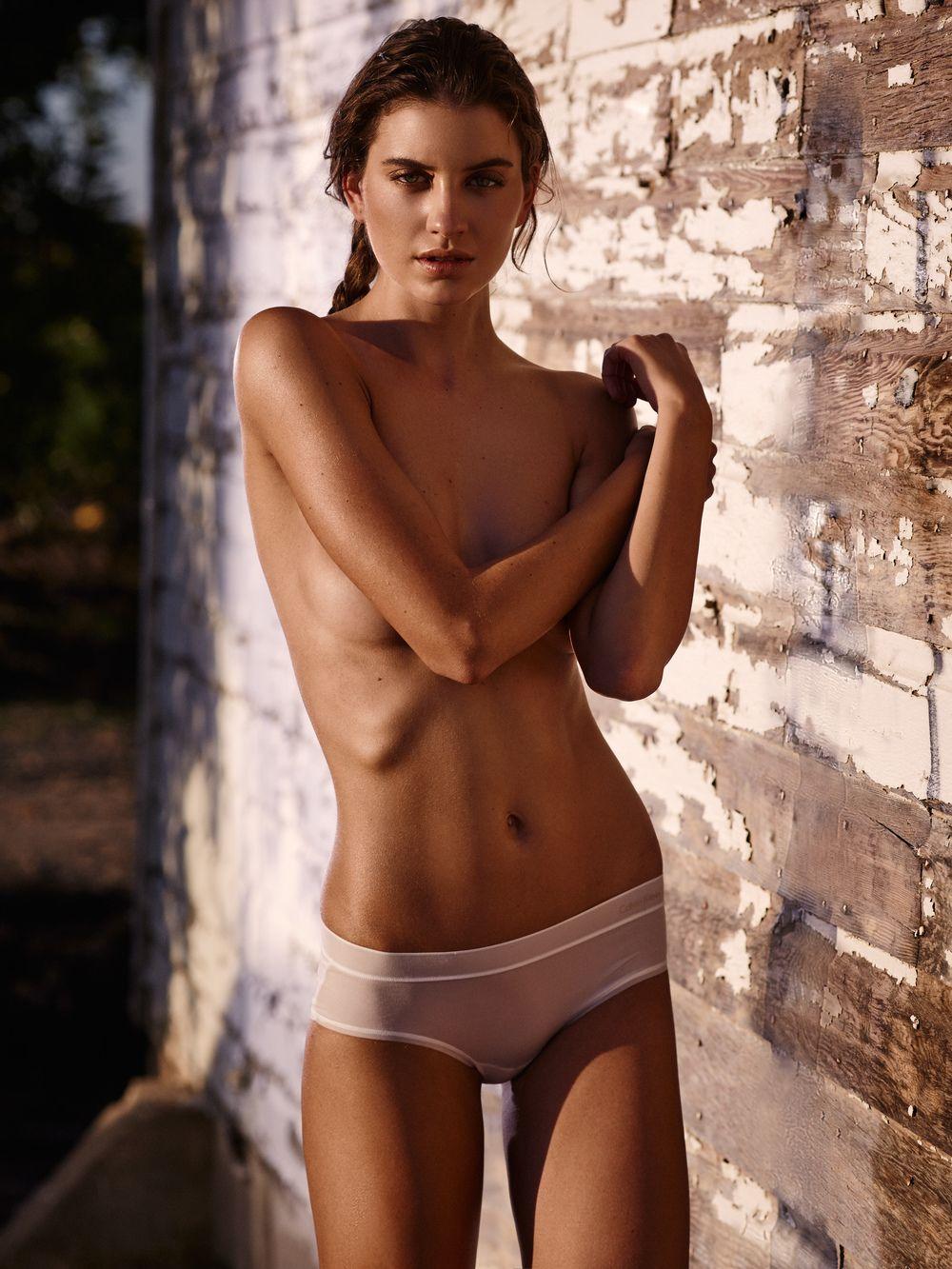 Carleen Laronn Nude Photos