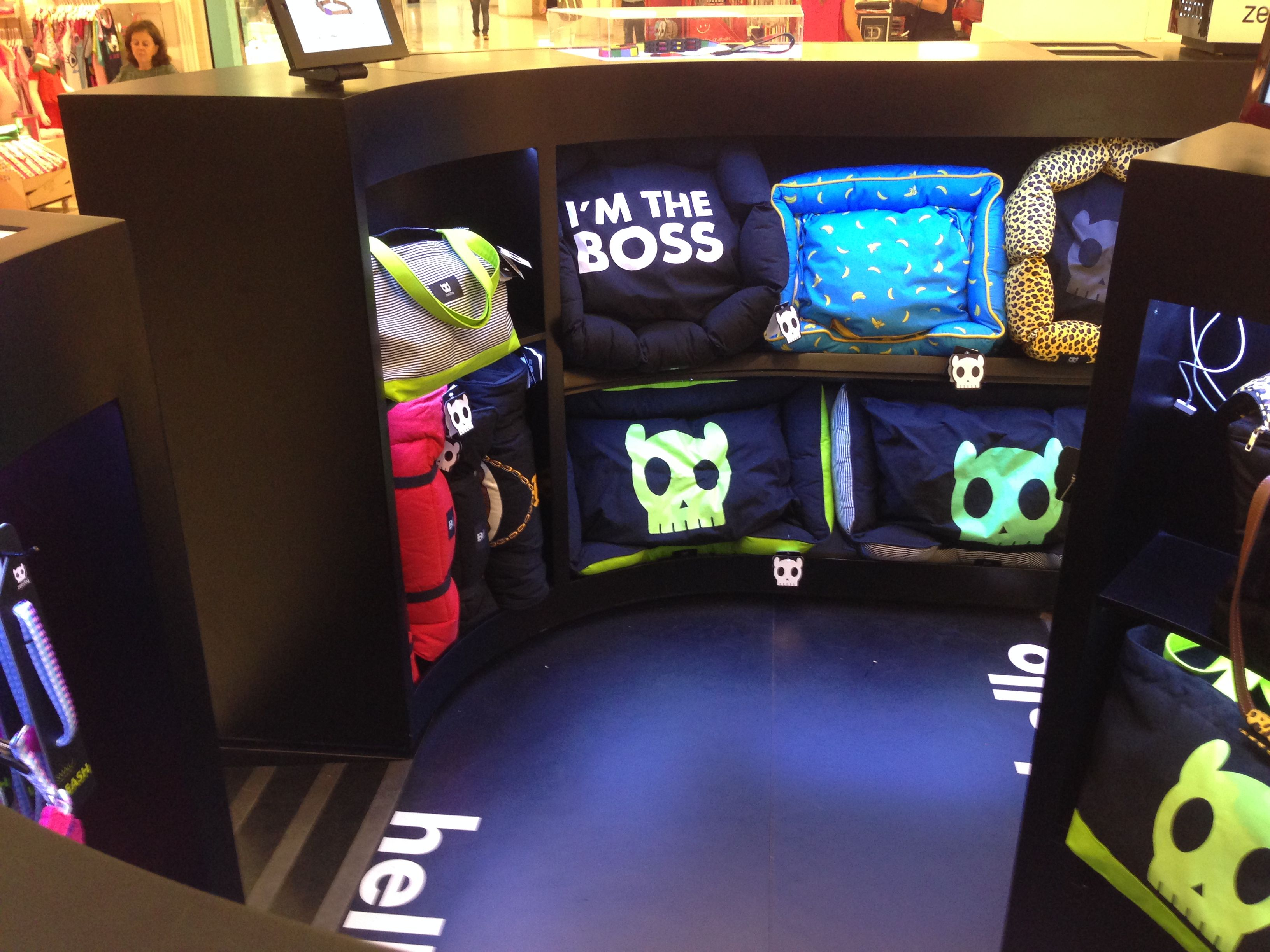 Zee Dog Concept Kiosk Dog Beds and Carriers