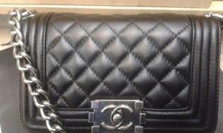 ac718ee3c Réplica de Bolsa Chanel Le Boy Preta Matelassê Mini Couro Não perca à  oportunidade de adquirir