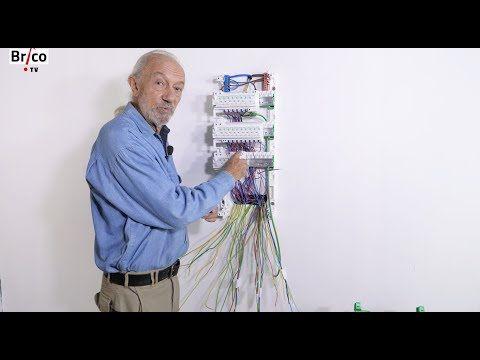 Installer facilement un tableau lectrique de r partition tuto brico avec robert youtube - Tableau repartition electrique maison ...