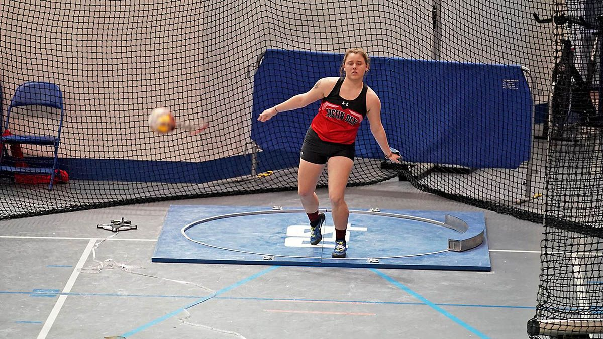 Apsu Track And Field To Compete In 2020 Ovc Indoor Championships Clarksville Tn Online In 2020 Track And Field Triple Jump Shot Put