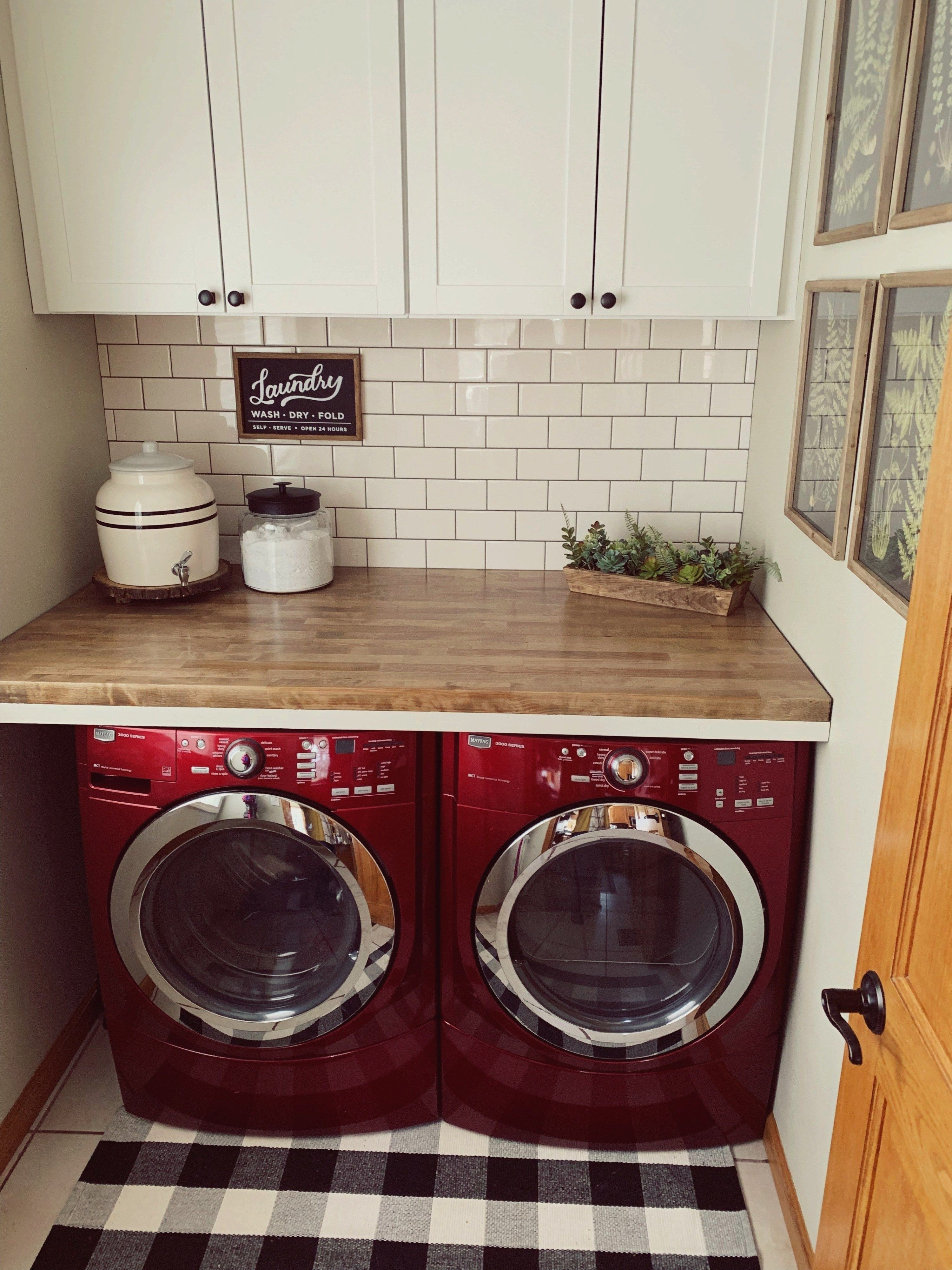 Laufarmhouse Farmhouse Makeover Laundry Reveal Before After Room This Fun Lau And Laundry Room Makeover Laundry Room Decor Farmhouse Laundry Room