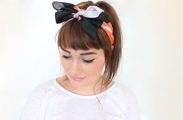 We ♥ Kate from Gh0staparties, and her ability to pull off a headscarf with finesse! Straight across bangs, angled bob, bow scarf!