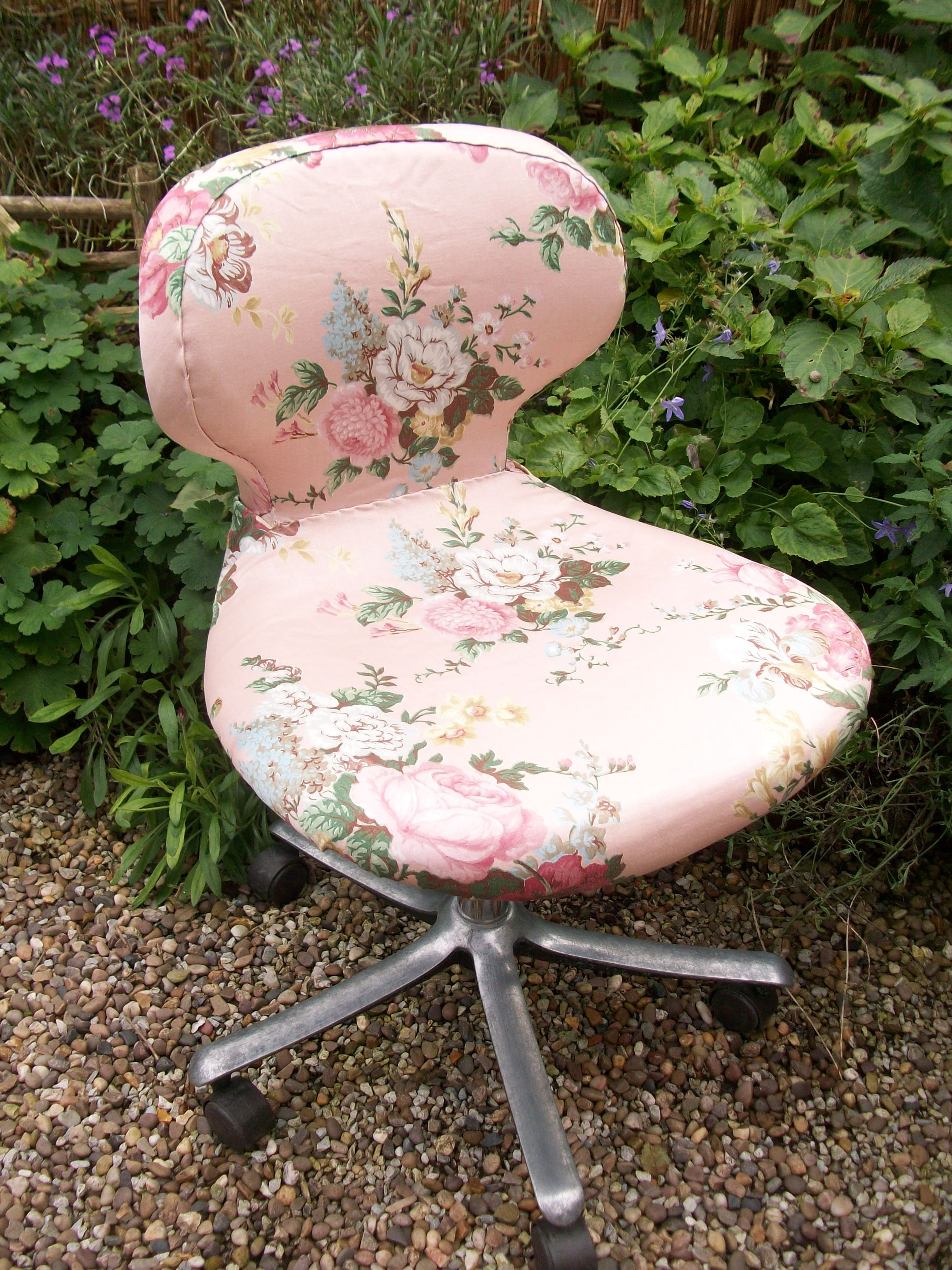 detailed look d7ae5 92f12 My vintage floral office chair. It's amazing what you can do ...