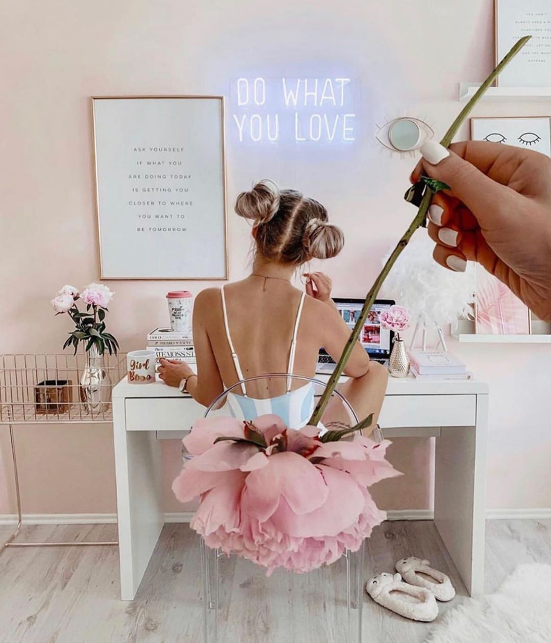 Best Homeoffice Desk: Do What You Love. Girly Workspace