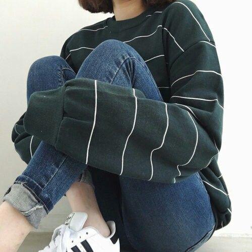 koreanische Mode Pinterest // Carriefiter // 90er Jahre Mode Street Wear Street ...