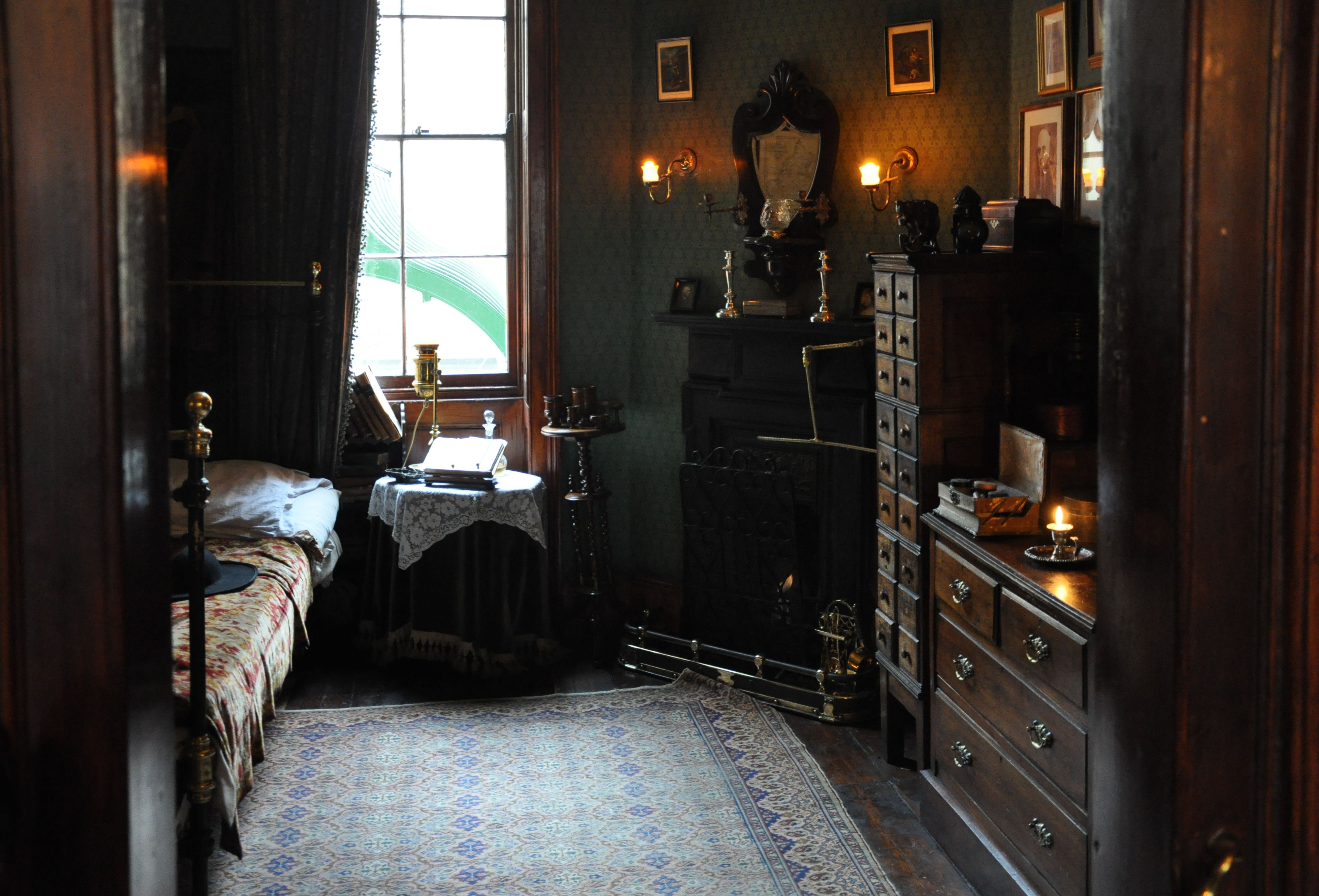 Living room victorian pinterest baker street sofas and 221b -  I Love This Bedroom And I Wish It
