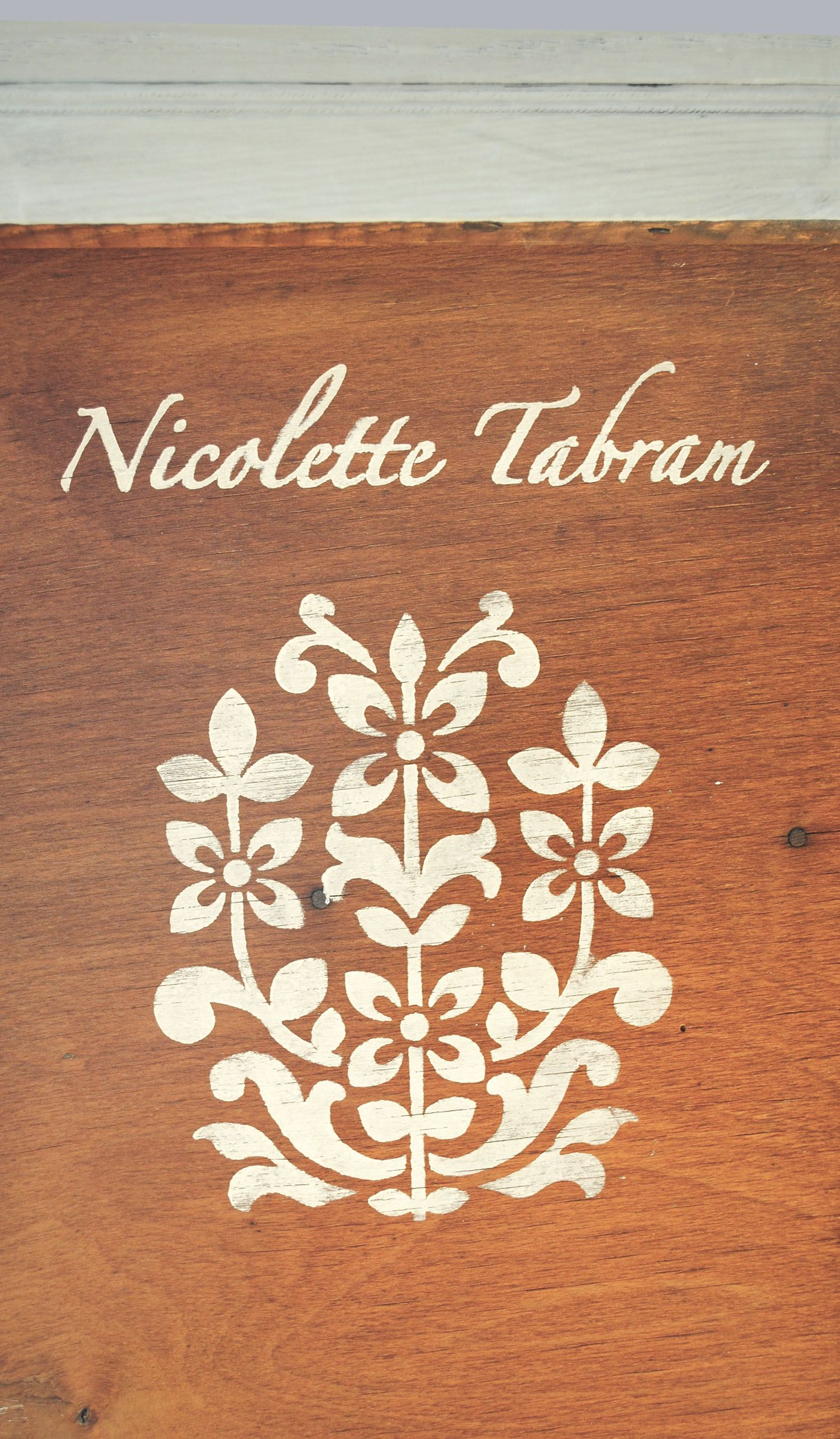A little surprise on the back of a chest of drawers using the Jaipur stencil  nicolettetabram.co.uk  #stencils #nicolettetabramstencils #paintedfurniture