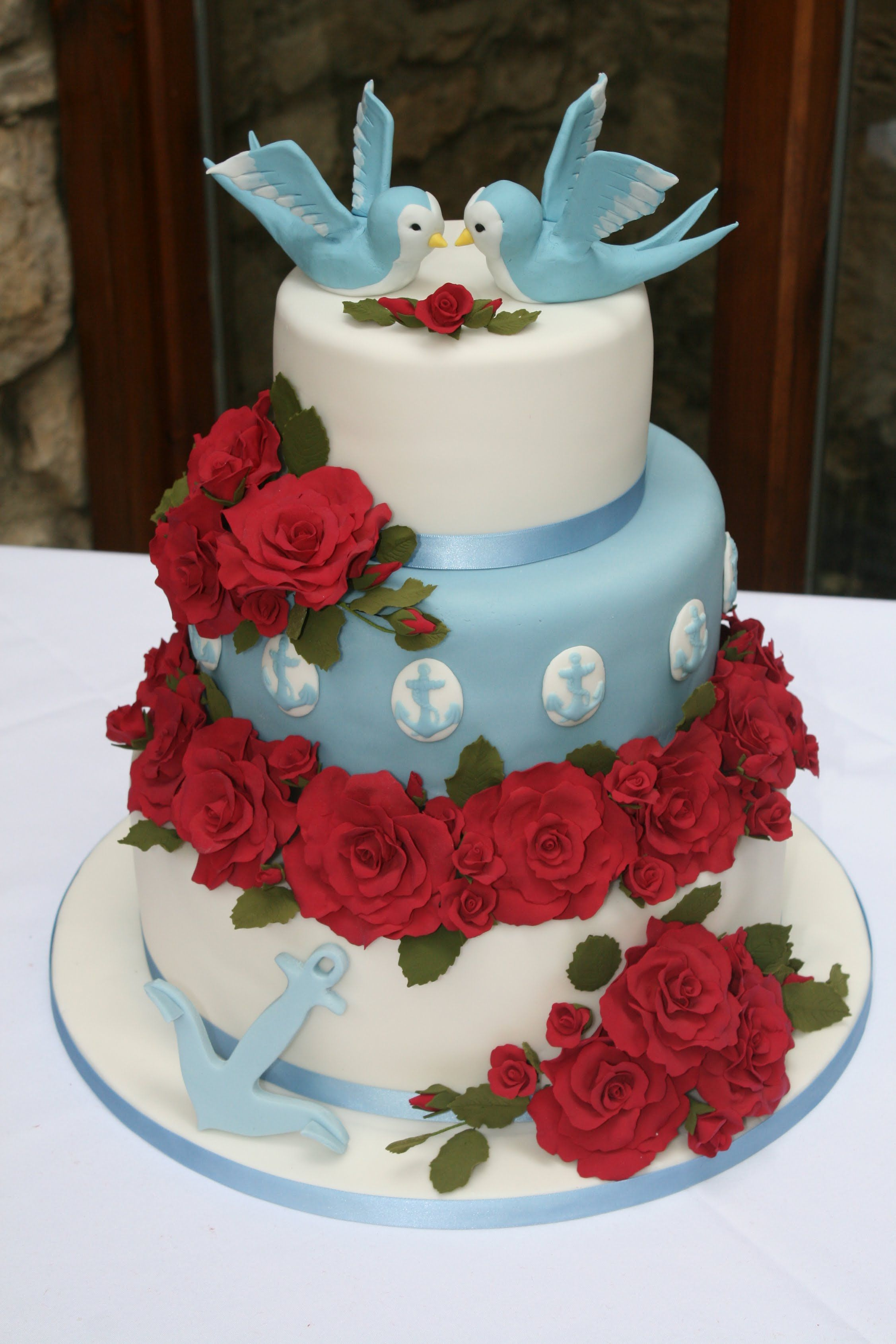 rockabilly wedding cake rockabilly wedding cake with made roses and birds 19241