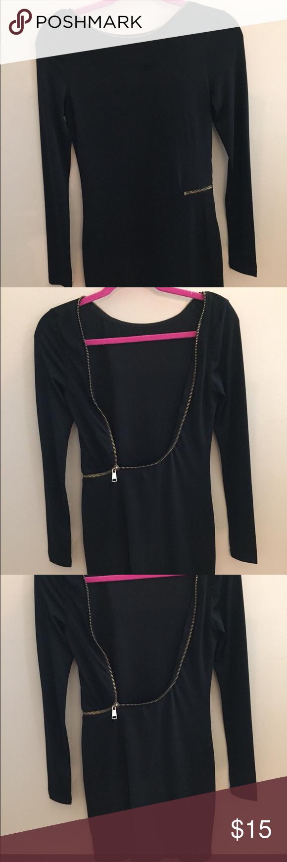 Black dress with gold zipper Cute long sleeve black dress with open back. Gold zipper Dresses Long Sleeve