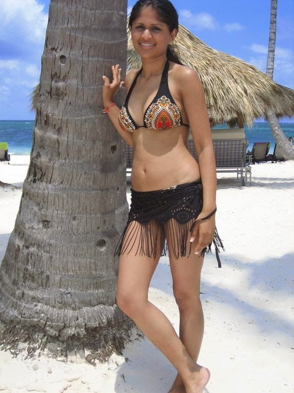 hot pakistani girls beach