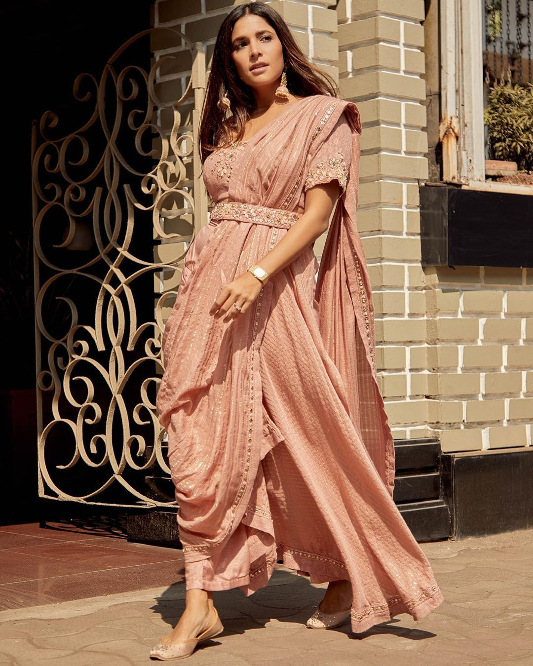 20 Best Indian Bridesmaids Outfits Ideas 2020 Indian Bridesmaid Wedding Guest Outfit Inspirations In 2020 Indian Bridesmaid Dresses Bollywood Dress Indian Bridesmaids