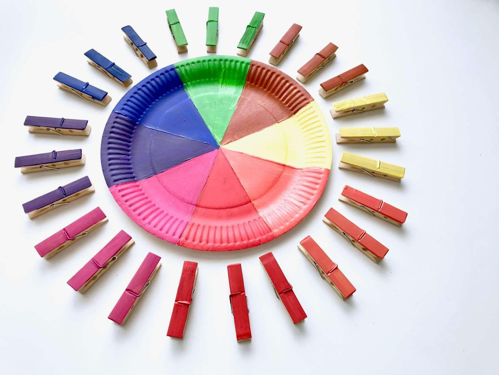 Diy Farbsortierspiel Farben Spielerisch Lernen Basteln Mit Kleinkindern Spielerisches Lernen Farben Sortieren