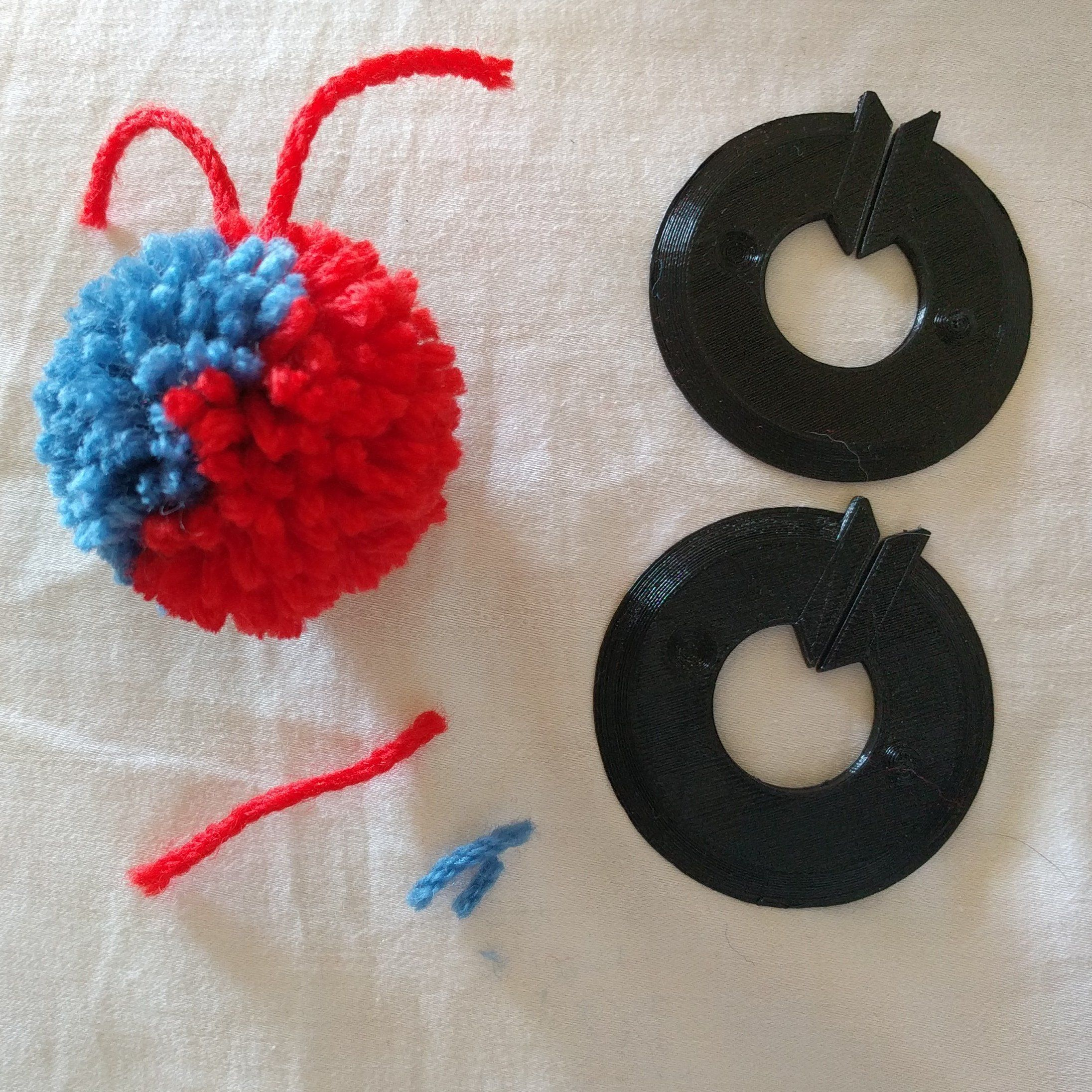 Pom Pom Maker Great Fun By Robwlakes Thingiverse Pom Pom Maker 3d Printing Pom Pom