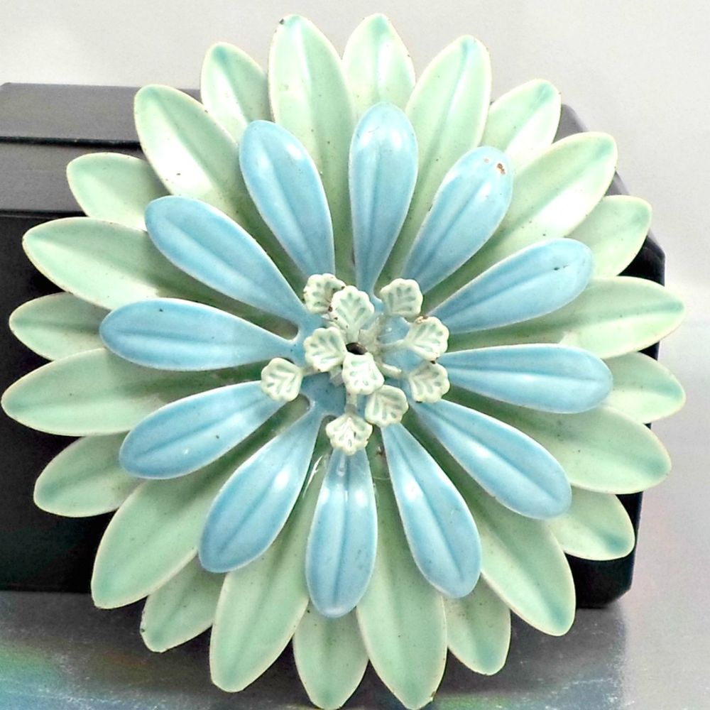 Brooch Big Blue Dahlia Flower With Green Petals Pin Brooch Dahlia