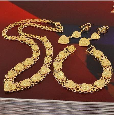 Lyxiga 18k guldfylld smyckeset med massa hj�rtan