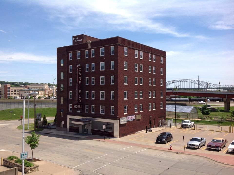 Canfield hotel today dubuque county seat tourist
