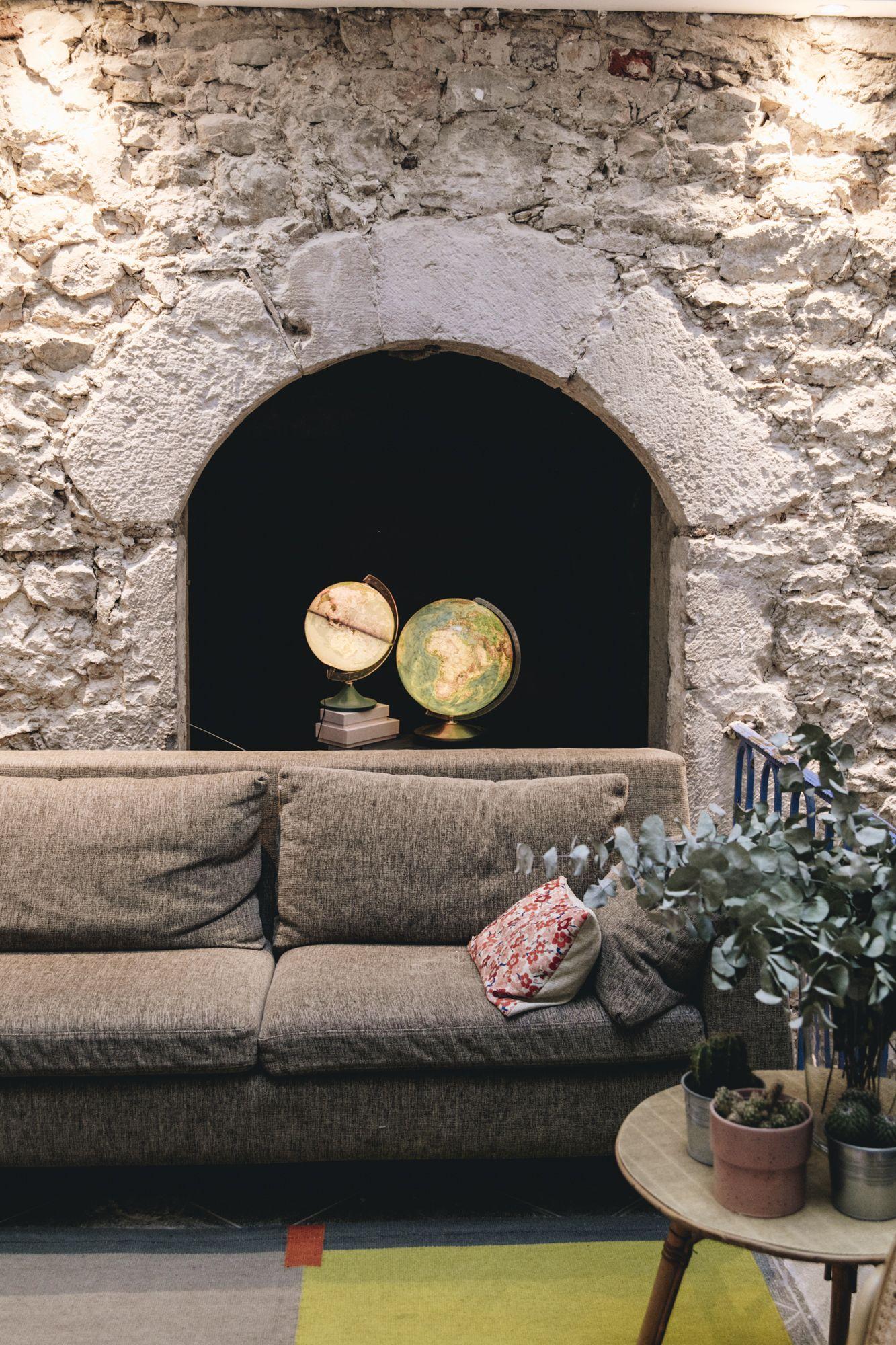 La Maison D Ambronay Rhone Alpes Ain En 2020 Maison Gite Salle De Bains Ouverte