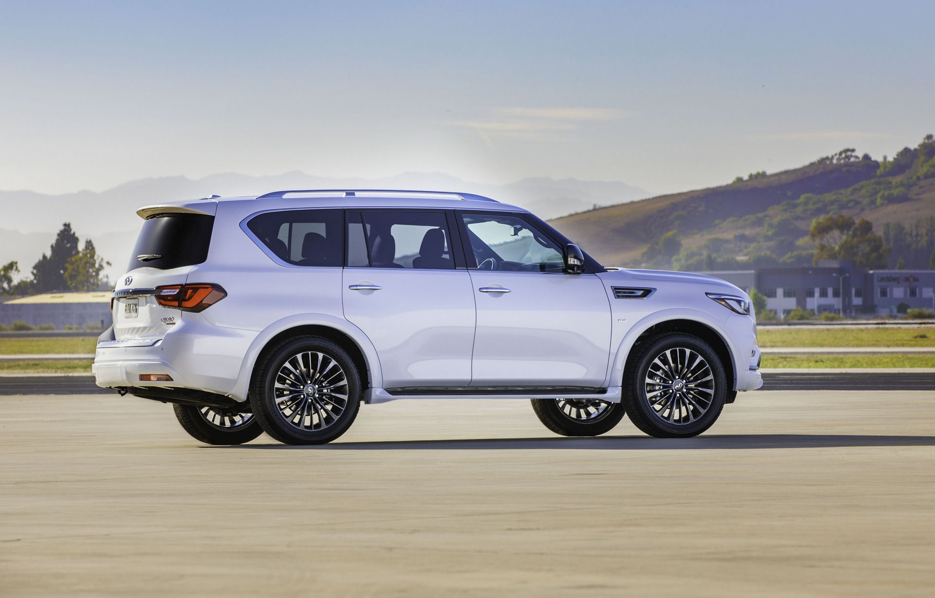 2020 Infiniti Qx80 Arrives With New Dash Edition 30 Package In 2020 Infiniti Automobile Suv Car