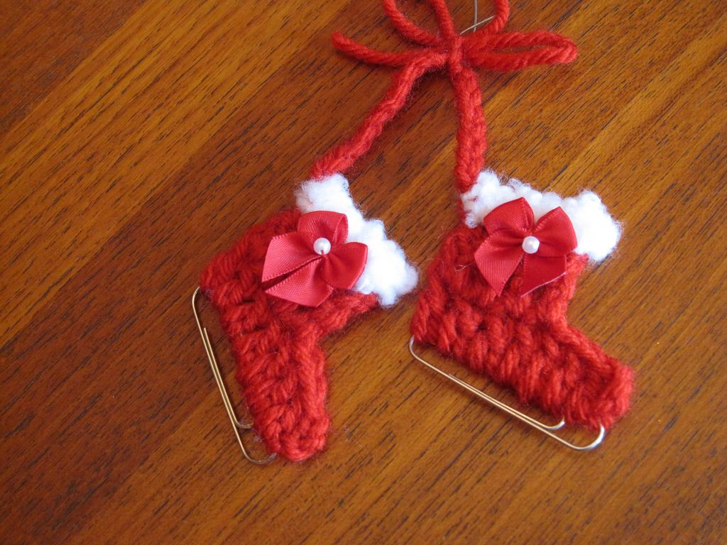Paperclip Iceskates | Yarns, Patterns and Crochet