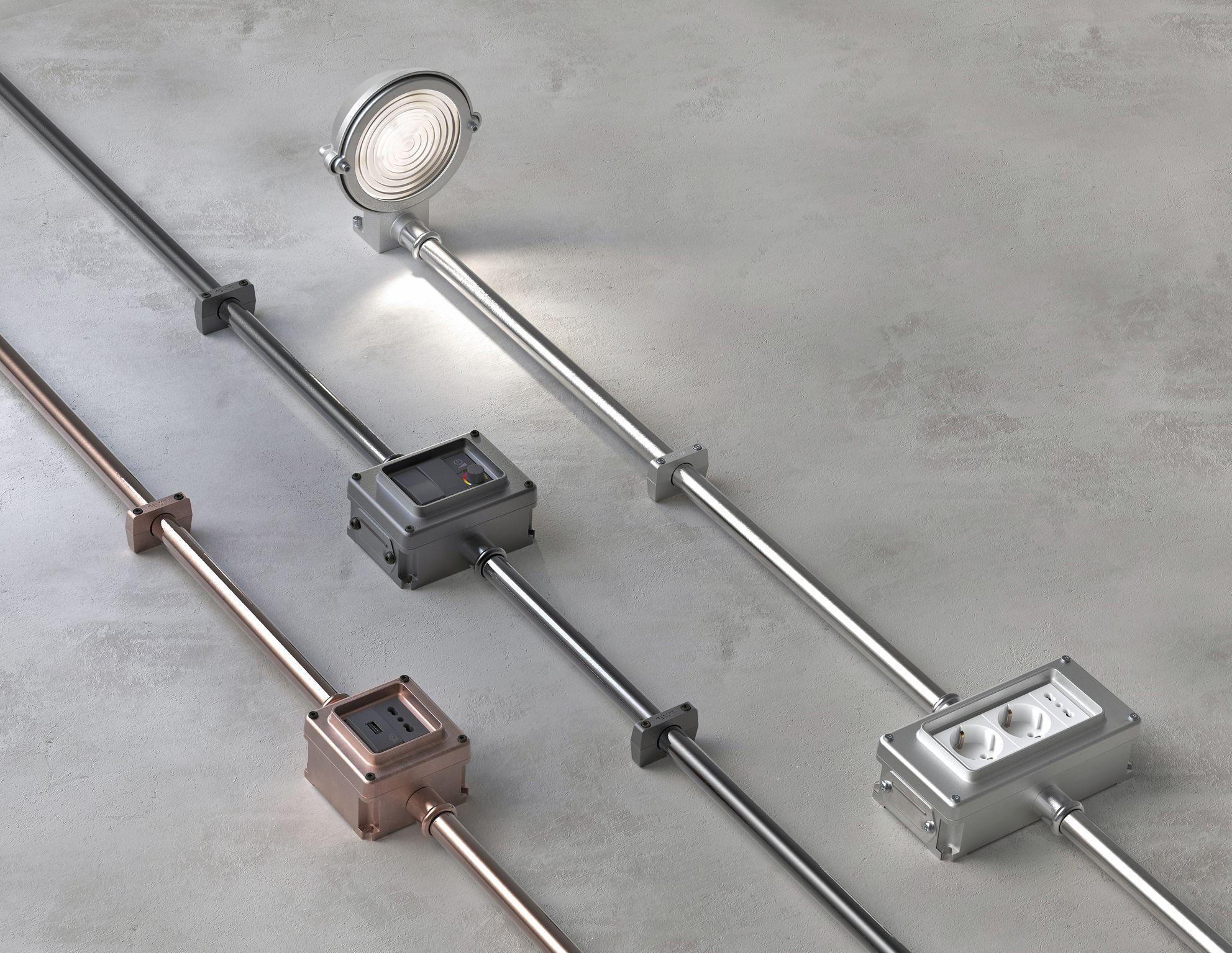 Di questi tempi, quando si opta per un impianto elettrico a vista per interni, si fa riferimento ad elementi piuttosto essenziali e semplici,. Pin Su Impianto Elettrico A Vista