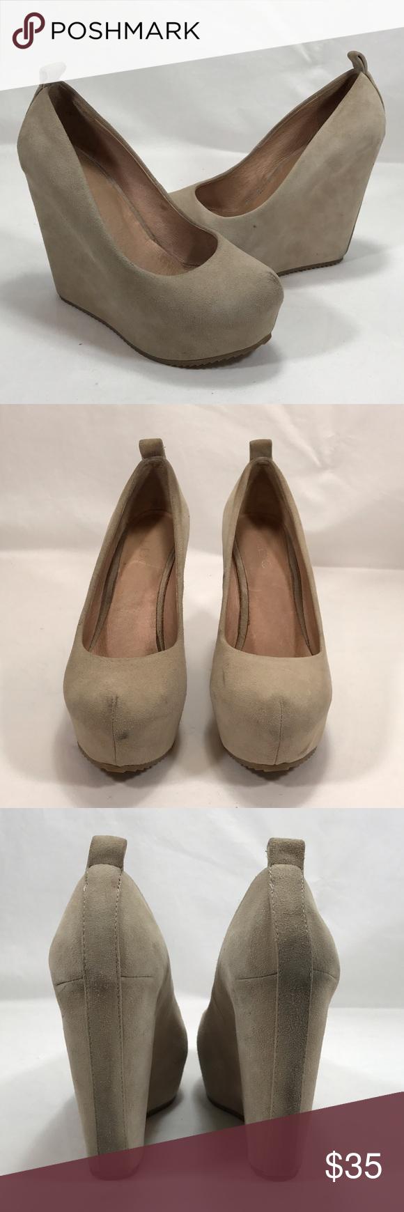 c3751d1c0e1 ALDO Calcagni Nude Suede Wedge Heels - Size 6 5 inch heel with 1.5 inch  platform