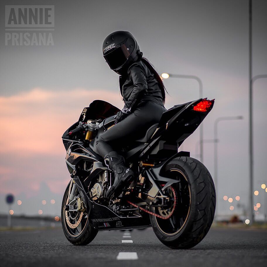 4 224 Likes 23 Comments Bmw S1000rr Annieprisana On