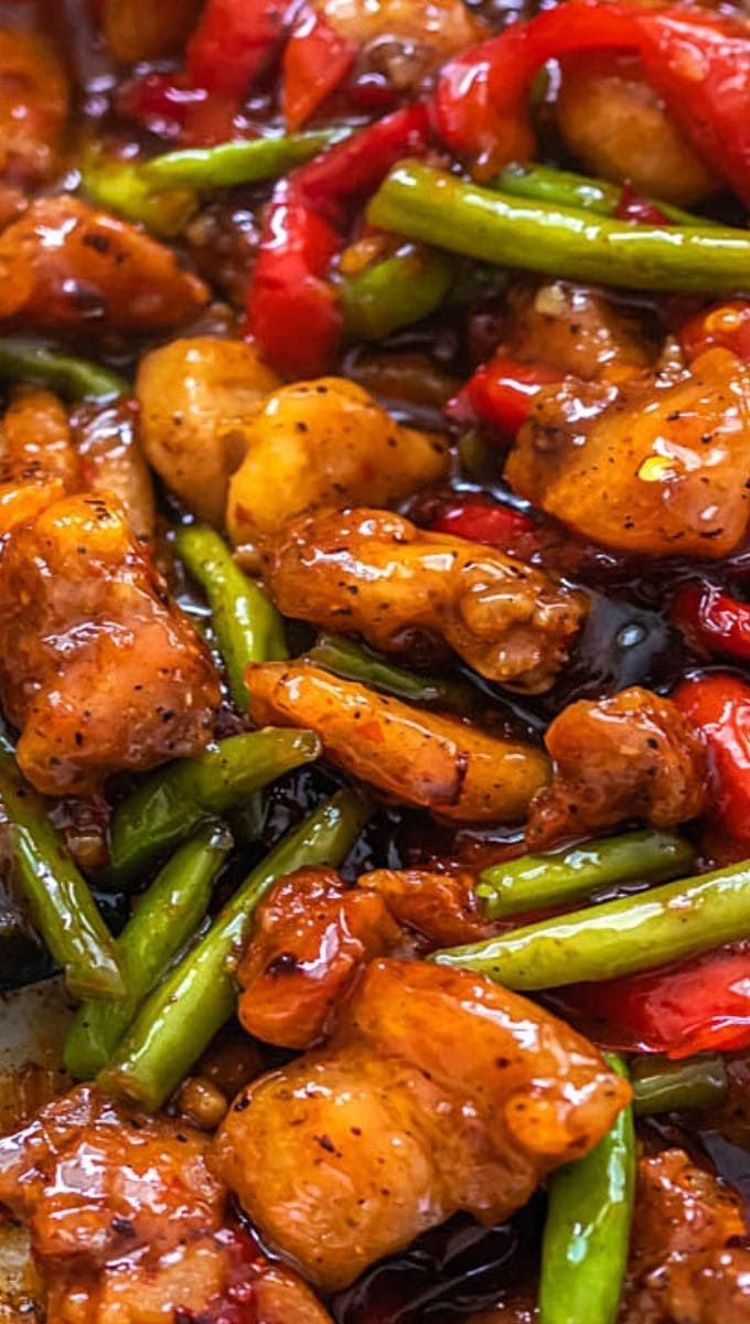 Soooo Good Garlicky Sweet Thai Chili Chicken and Green Bean Stir Fry