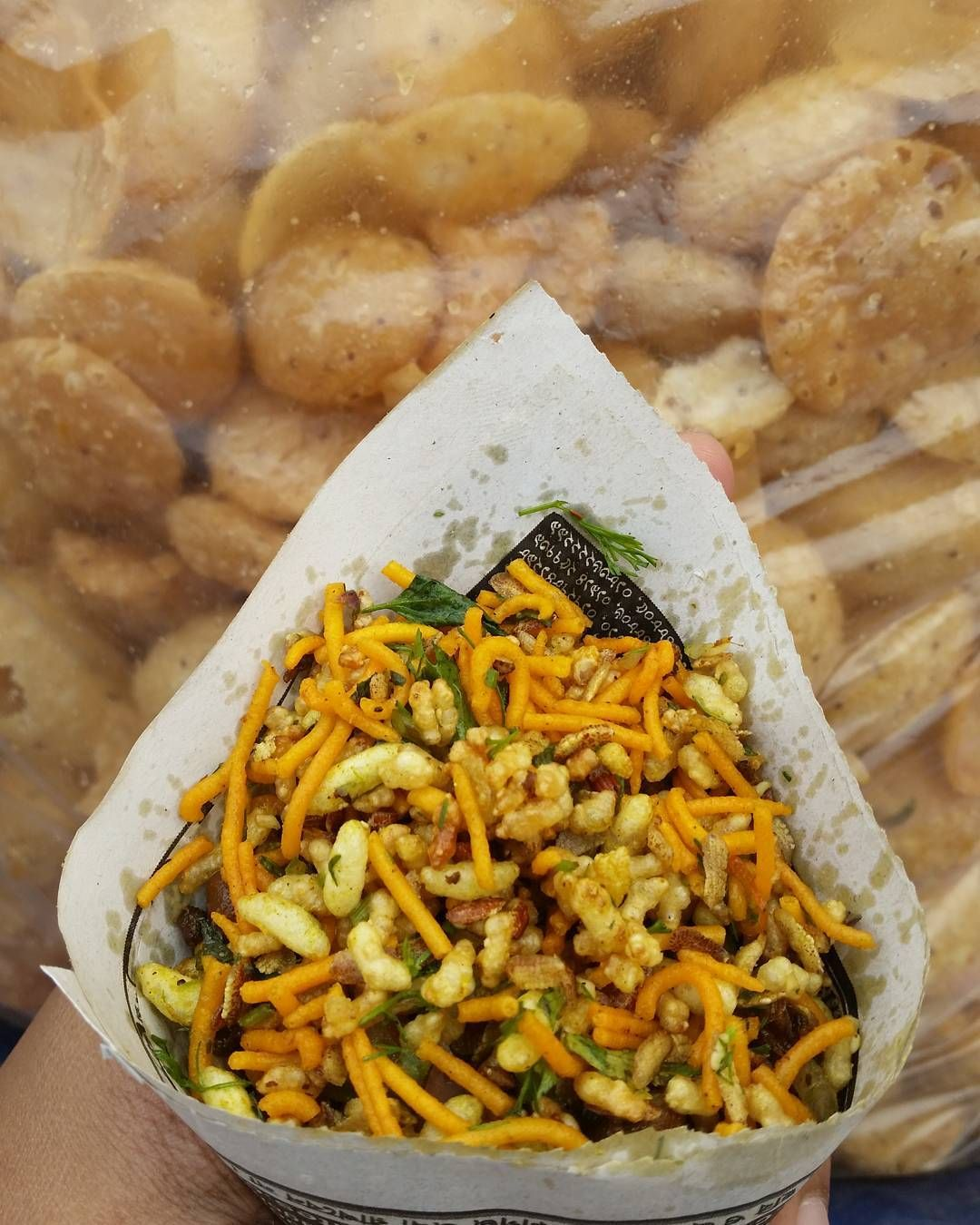 Jhaal murispicy puffed rice is a popular street food snack of jhaal murispicy puffed rice is a popular street food snack of bangladesh forumfinder Gallery