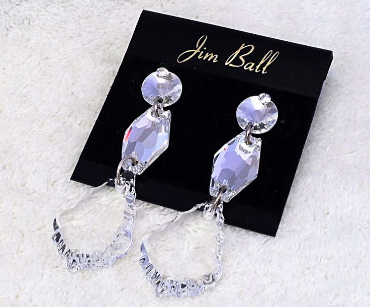 Clear acrylic crystal chandelier drop style dangle earrings clear clear acrylic crystal chandelier drop style dangle earrings aloadofball Image collections