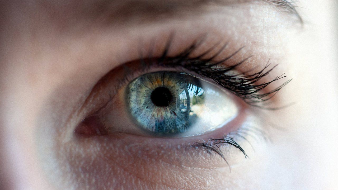 Eye symptoms and their meaning Sensitive eyes, Best
