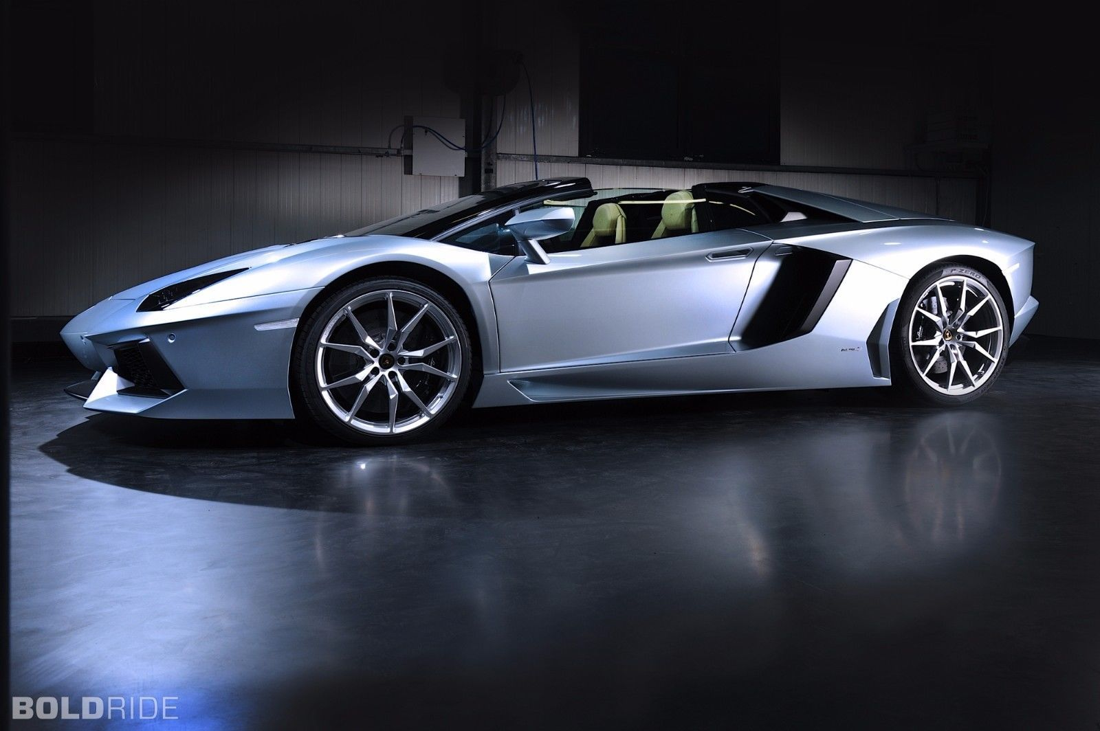 Awesome Great Roadster 2013 Lamborghini Aventador LP700 Poster 19x
