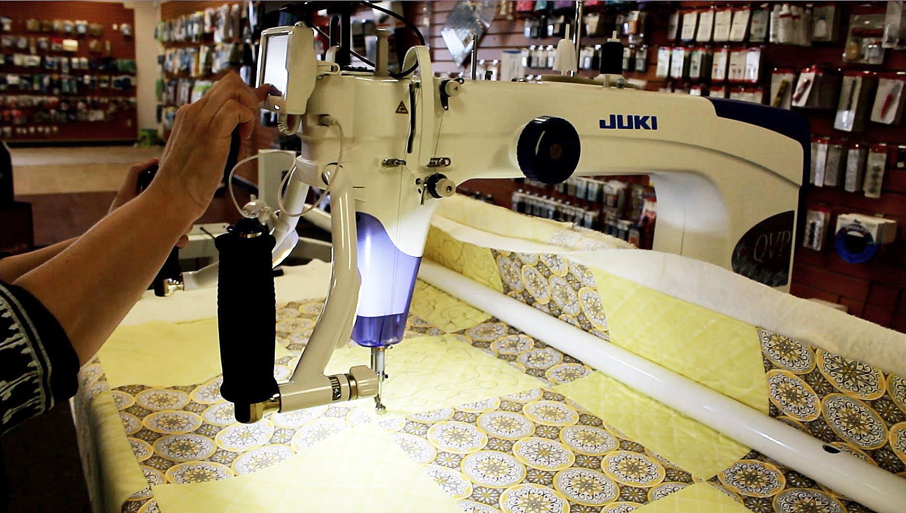 Free Motion Quilting on the Juki TL2200QVP http://www.sewvacdirect ...