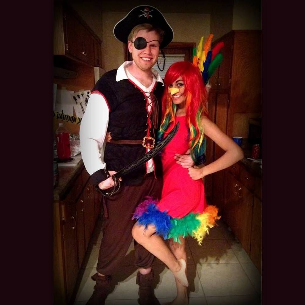 Halloween Couple Costume!! Pirate and parrot!  sc 1 st  Pinterest & Halloween Couple Costume!! Pirate and parrot! | Dress Up | Pinterest ...