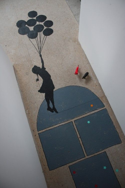 marelle peinte tag pochoir Banksy fille aux ballons Déco murale et