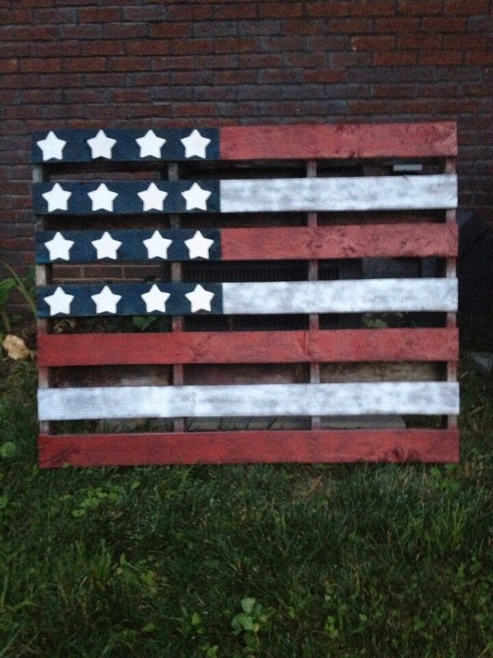 524450caaae2 Wood Pallet American Flag - red white   blue for July 4th...Love this !!!
