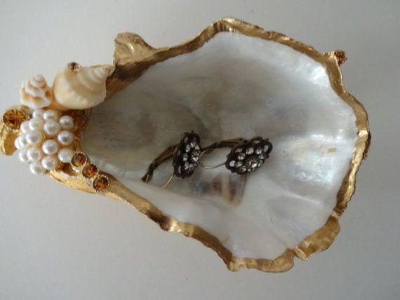 Oyster Ring Dish Jewelry Dish Trinket Dish Oyster Ring Etsy Jewelry Dish Trinket Dishes Pearl Paint